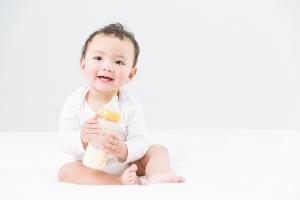 保险专题  不同家庭经济条件不同,保障需求不同,自然小孩健康险的选择