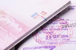 出国旅游保险怎么购买?