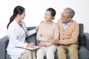 给老人买什么医疗保险好