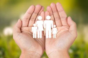 年轻人刚出社会买什么保险比较好?
