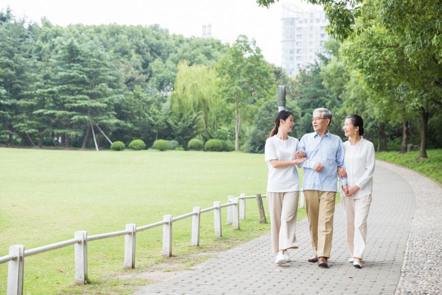 适合父母的健康保险哪种比较好?
