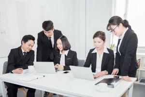 企业为员工购买商业保险可选哪些险种?