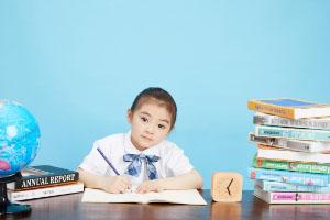 给孩子买教育金保险每年交10000.合理吗?